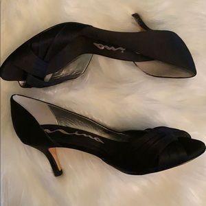 Nina kitten heels size 8